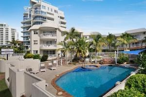swimming pool resorts Gold Coast